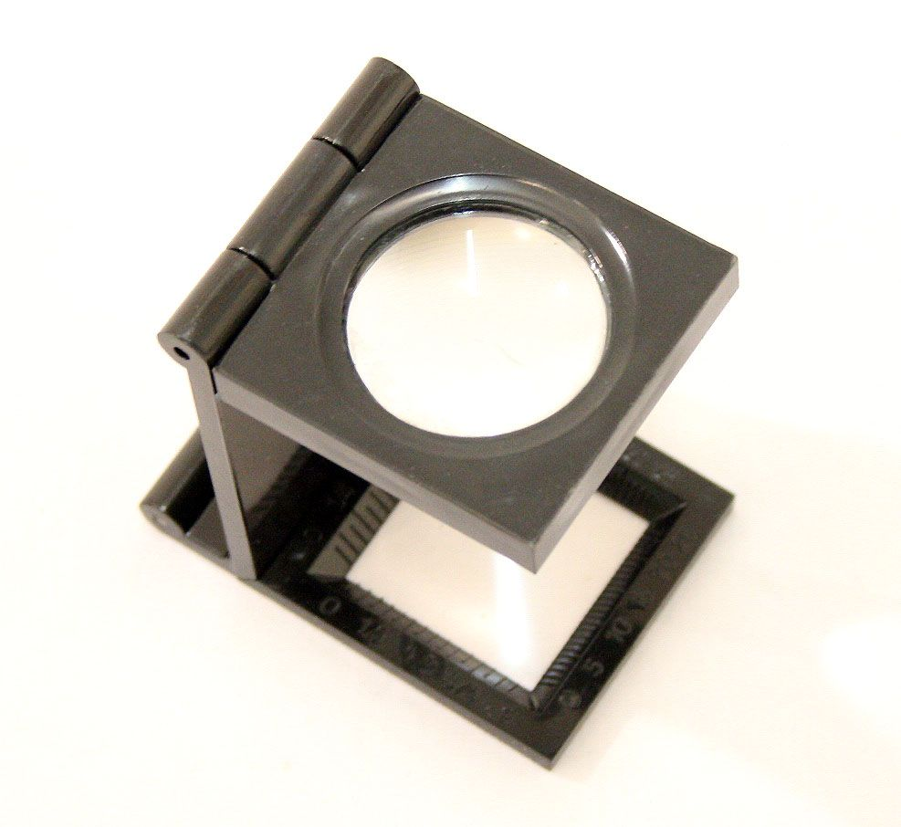 75mm Black Folding Magnifier